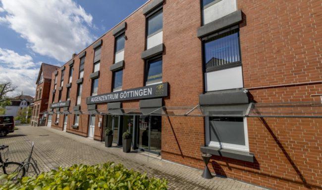 Außenansicht des Gebäudes vom Augenzentrum Göttingen